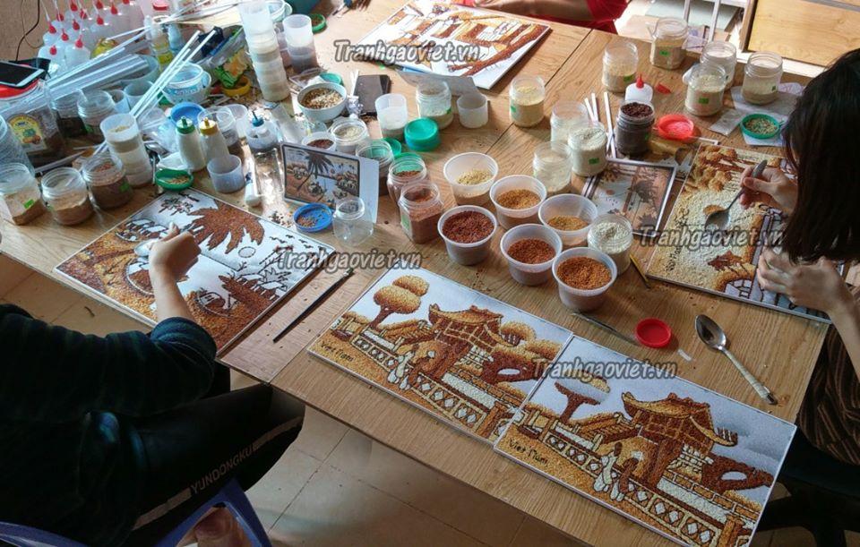 Giới thiệu về tranh gạo, những món quà lưu niệm đậm chất Việt Nam tại Tranh gạo Việt