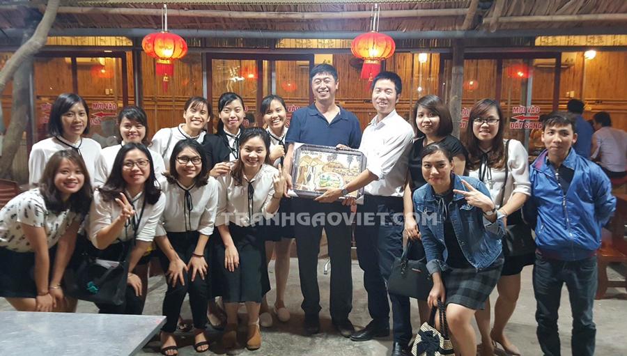 Gợi ý những món quà lưu niệm  cho người nước ngoài mang đậm nét văn hóa Việt Nam và địa chỉ tìm mua quà lưu niệm tại Hà Nội