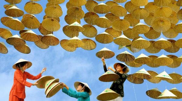 Những món quà lưu niệm mang đậm nét văn hóa Việt Nam được người nước ngoài thích nhất