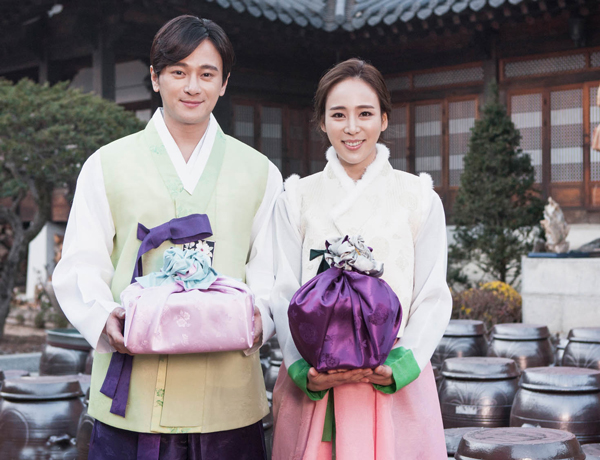 Những điều cần về văn hóa tặng quà của người Hàn Quốc và những điều kiêng kỵ bạn cần biết