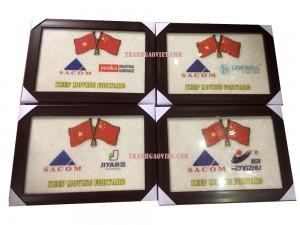Tranh logo màu quà tặng đối tác